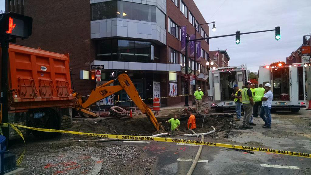 Workers at big water-main break in Cambridge