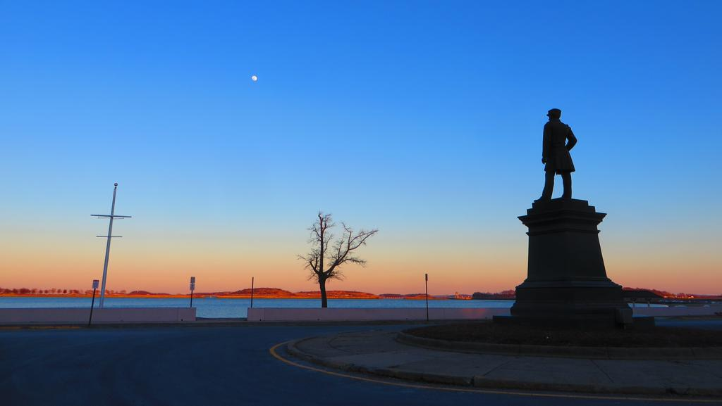 Moonrise over Admiral Farragut in South Boston
