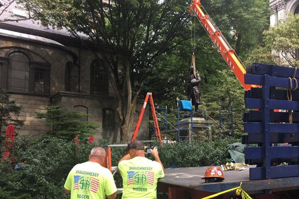 Benjamin Franklin statute put back at Boston's Old City Hall