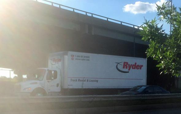 Ryder truck stuck on Storrow Drive