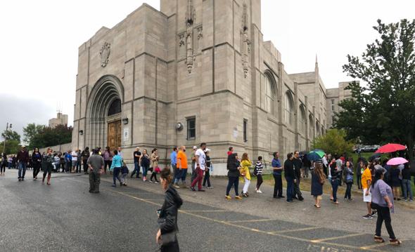 Brazilians lining up to vote in Brighton