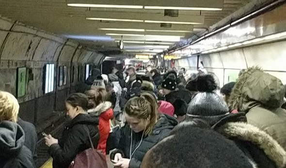 Crowded State Street platform on the Orange Line