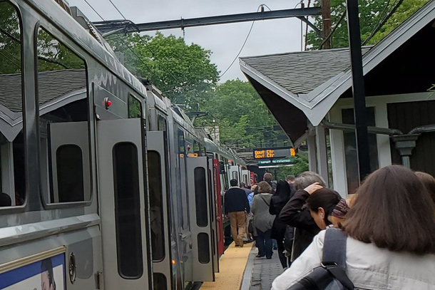 Passengers told to leave Green Line train at Newton Centre