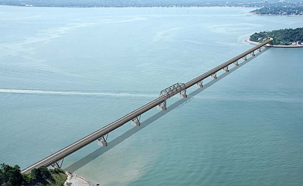 Proposed new Long Island Bridge