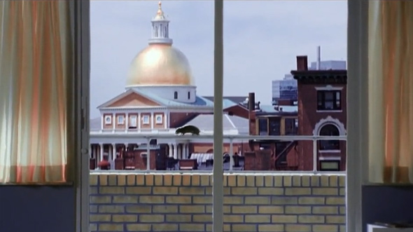 Rat scurries in front of Boston State House