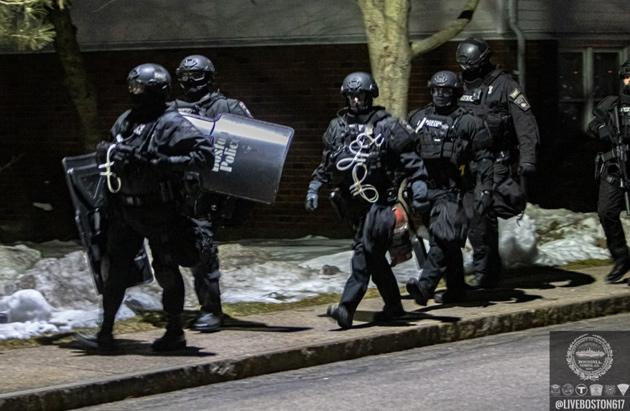 SWAT unit officers