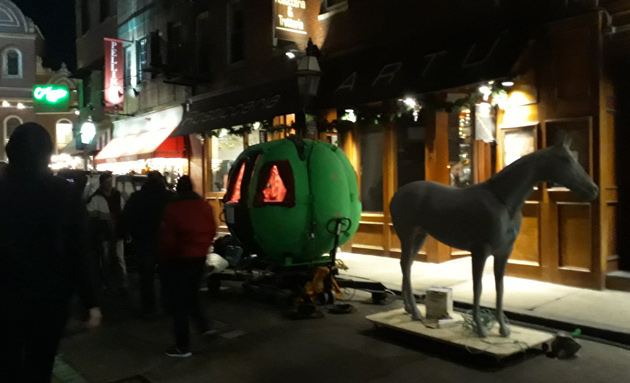 Horse and pumpkin carriage in the North End