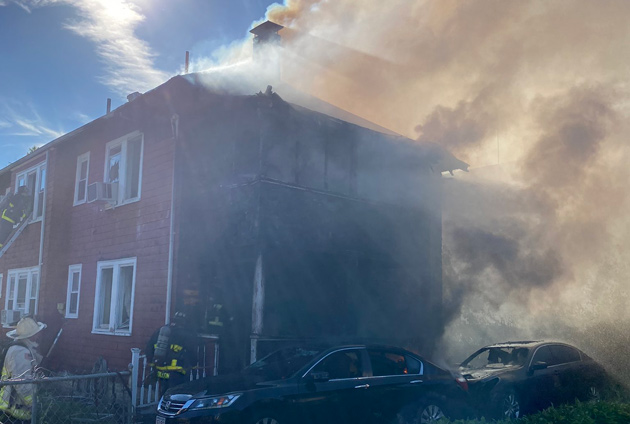 House, cars hit by fire in Hyde Park