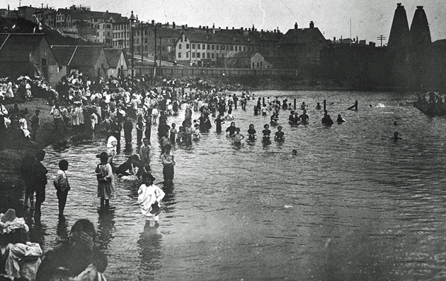 Charlestown beach in 1900