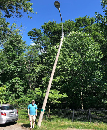 Leaning pole of JP