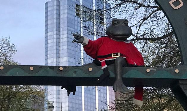 Santa-clad frog at Tadpole Playground, Boston Common