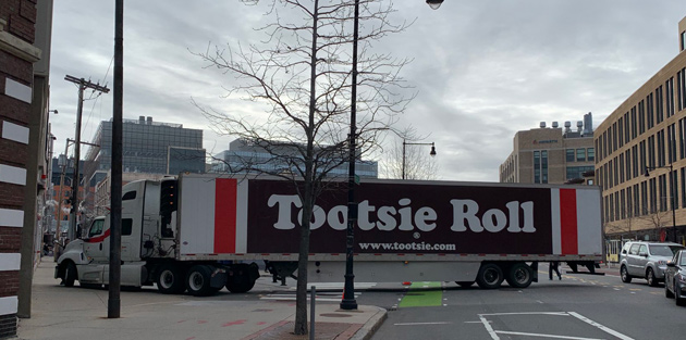 Tootsie Roll truck stuck on Massachusetts Avenue