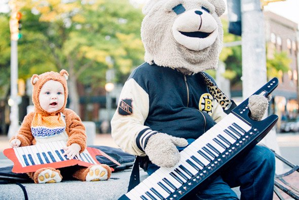 Keytar Bear and young fan