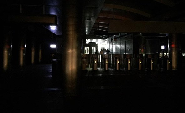Darkened Maverick station on the MBTA's Blue Line