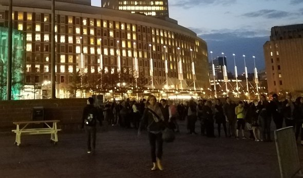 Line to vote early at Boston City Hall