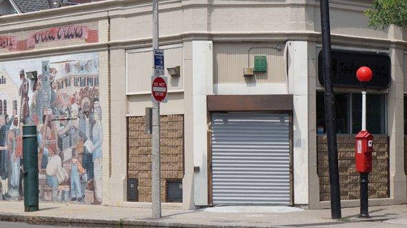 Closed Tedeschi store in Jamaica Plain