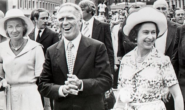 Mayor White and Queen Elizabeth