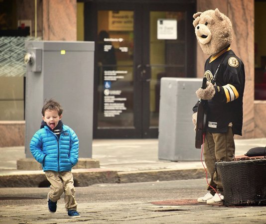 Dancing kid with Keytar Bear