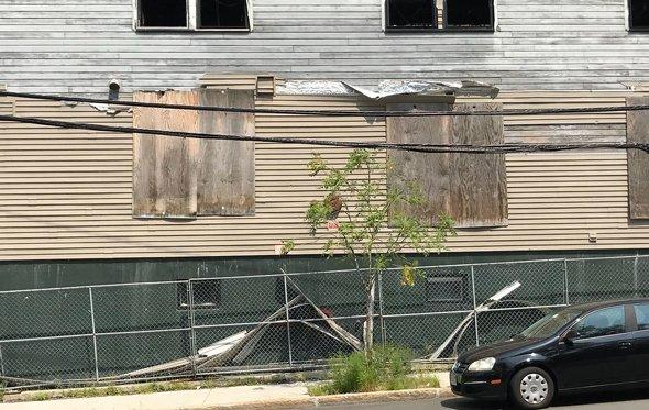 Lagrange Street eyesore