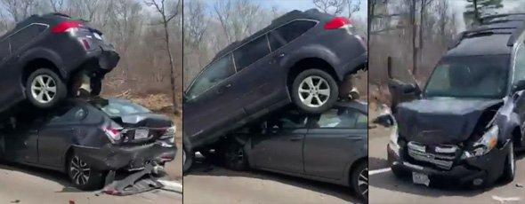 Cars smashed up on ramp to I-93