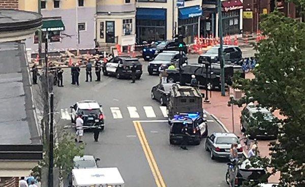 Parts of Harvard Square shut in police hunt for Philadelphia