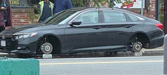 Accord with no wheels in West Roxbury