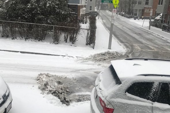 Snow at the Charlestown/Somerville line