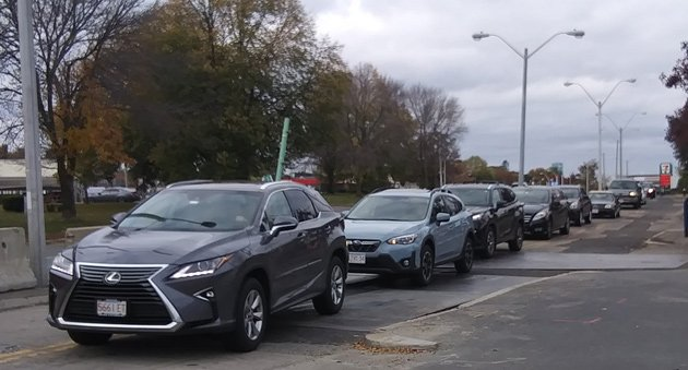 Long line of cars in Dorchester