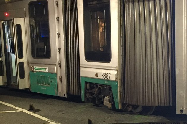 Green Line derailed near Heath