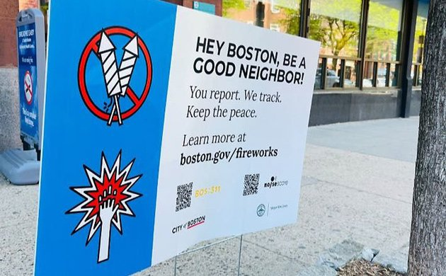 Fireworks advisory sign that says call 311
