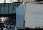 Box truck narrowly avoids storrowing