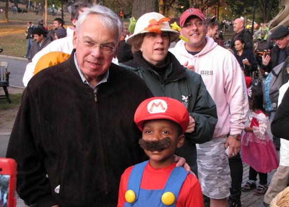 Menino and Mario Brother