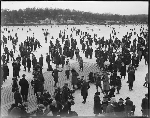 Jamaica Pond skating