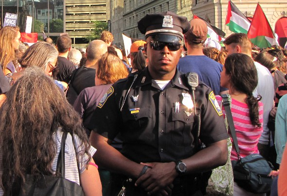 Protest: Cop