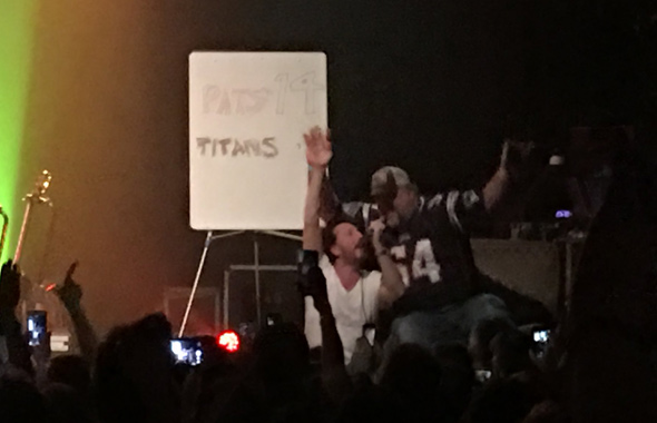 Pats fans getting score at Guster concert